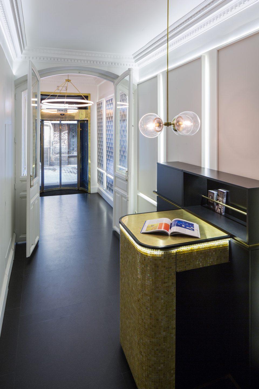 Ventura: lobby Suites Prado
